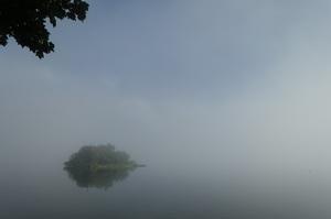 朝靄の阿寒湖