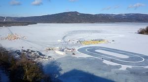 氷上遊園地俯瞰