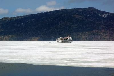 2015阿寒湖砕氷帯遊覧観光船