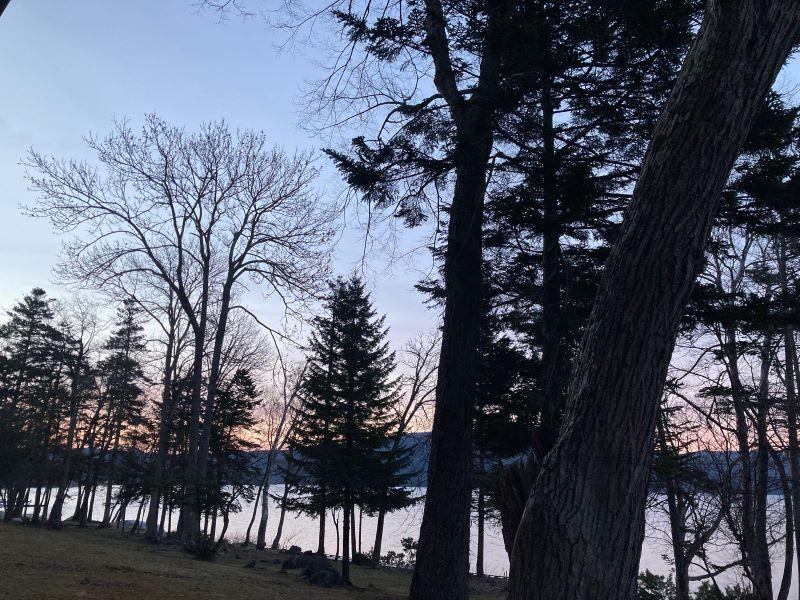 阿寒湖春の夕暮れ
